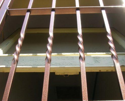 Installazione Inferriata Finestra Decoro Barra Attorcigliata