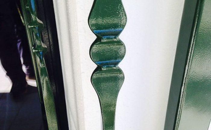 Installazione Inferriata Finestra Decoro Foglia S