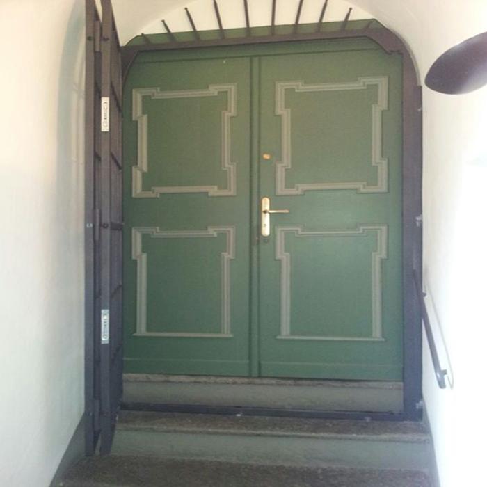 Inferriata su porta con decoro barra quadra tecno sicur - Inferriata porta ...