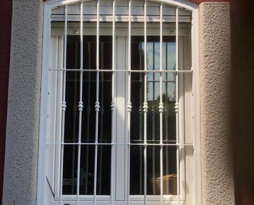 Inferriate per finestre ad arco bianco 02