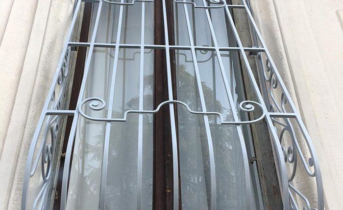 Inferriate per finestre con decoro Bombato grigio ral 01