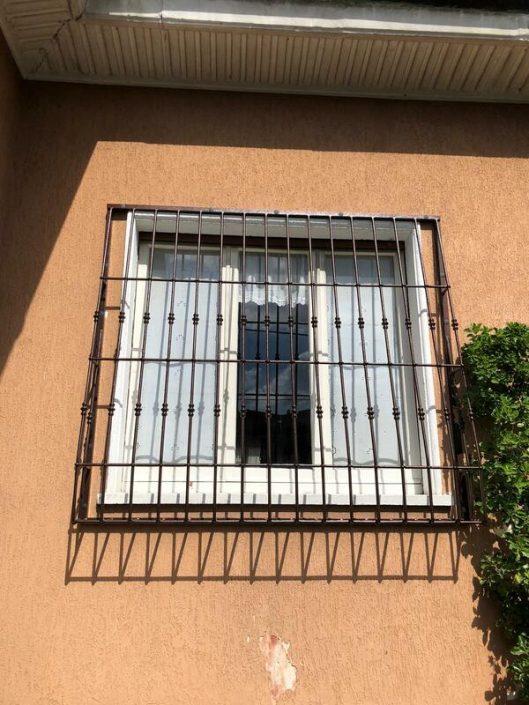 Inferriate per finestre con decoro Bombato nero ral 01