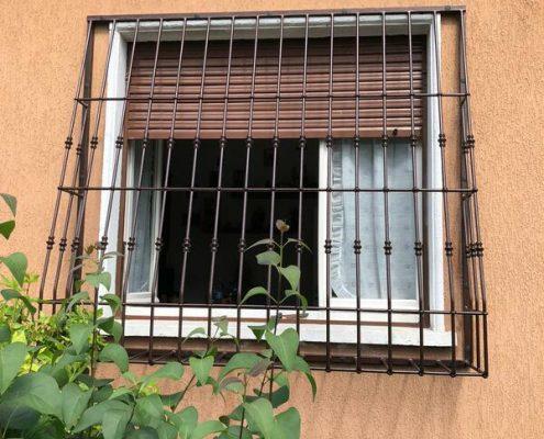 Inferriate per finestre con decoro Bombato nero ral 02