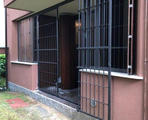 Inferriate per finestre con forme irregolari antracite mic 02
