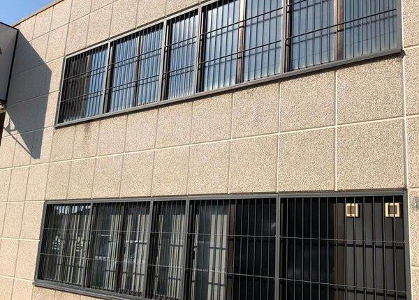 Inferriate per finestre con forme irregolari grigio micaceo 01
