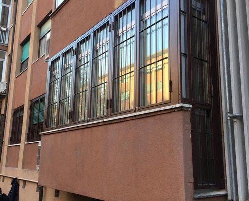 Inferriate per finestre con forme irregolari marrone ral 01
