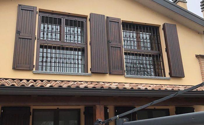 Inferriate per finestre con forme irregolari rame martellato 03
